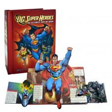 «Супергерои» книга-панорама на английском Мэттью Рейнхарта