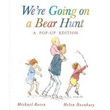 «Идем ловить медведя» книга-панорама на английском Майкла Розен, Хелен Оксенбери